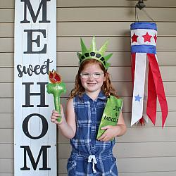 Pretend Play - ITH - Statue of Liberty Torch